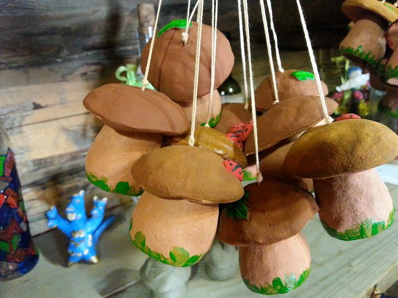 Глиняные игрушки-колокольчики