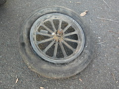 tire, automotive tire, wheel, tread, rim, alloy wheel, hubcap, spoke,