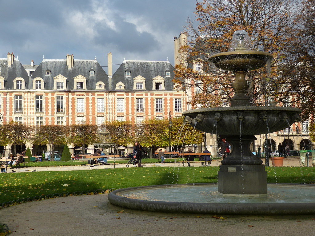 Place de Vosges, Paris
