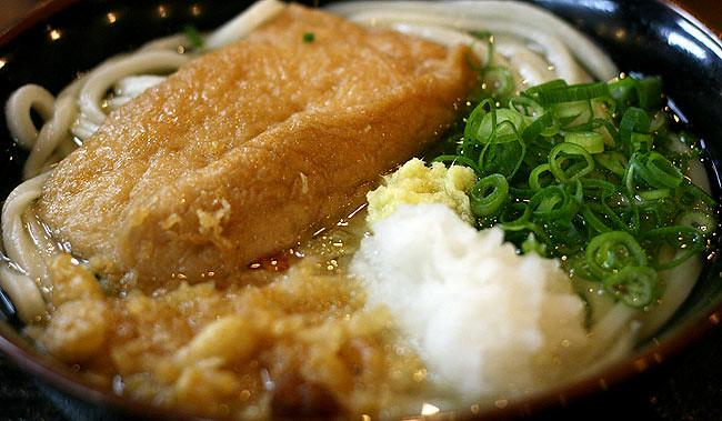 「こだわり麺や 宇多津店」のきつねうどん