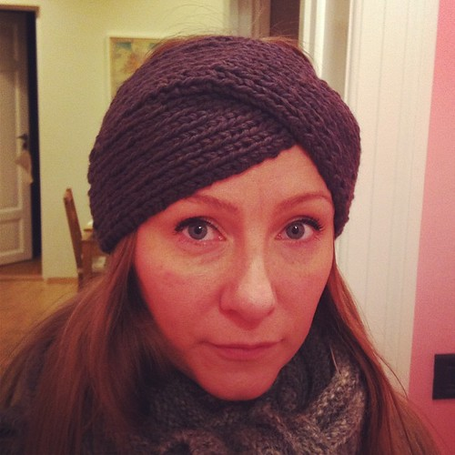 New headband, so warm! #knitting #cascade220 #malabrigo