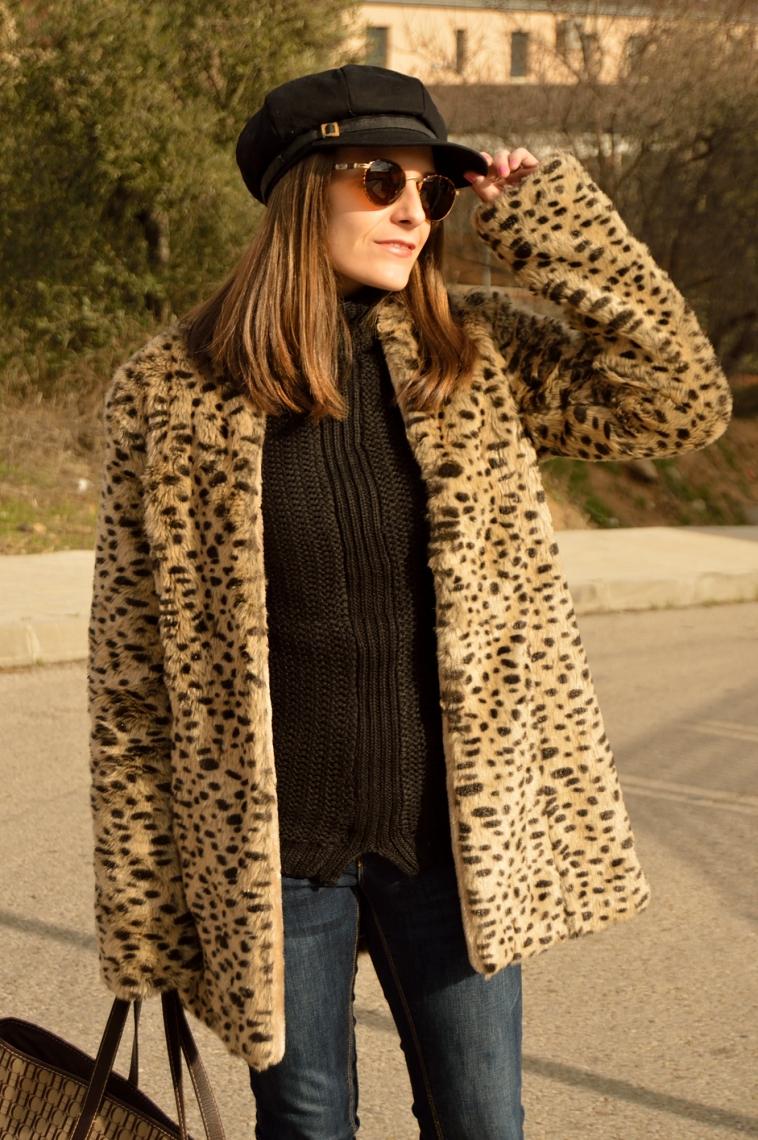 lara-vazquez-madlula-fashion-blog-black-hat-leo-coat