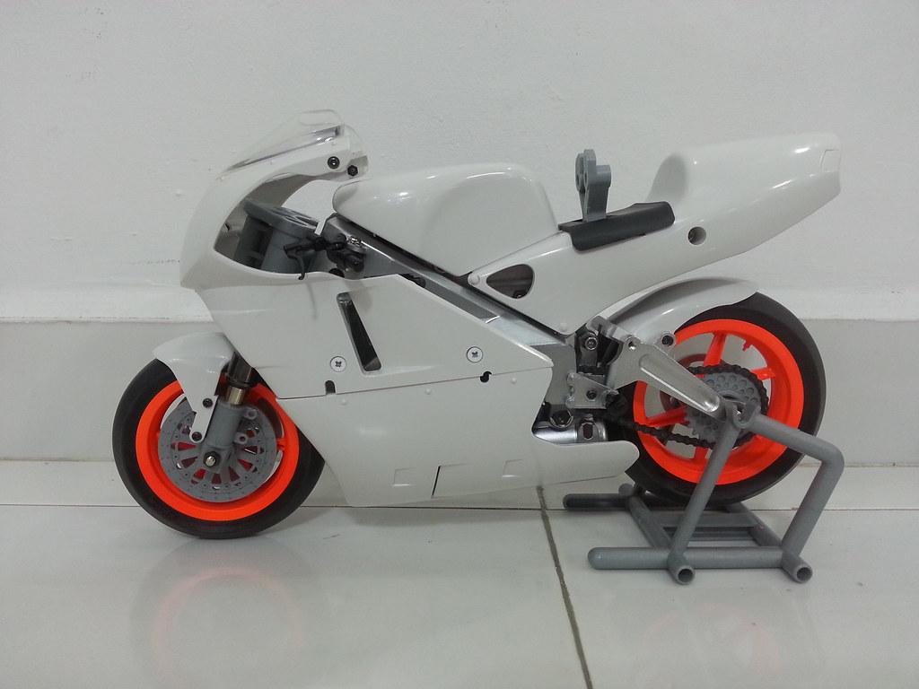 Babyboy's Kyosho Honda NSR 500 HOR 11971605125_f3e13425f9_b