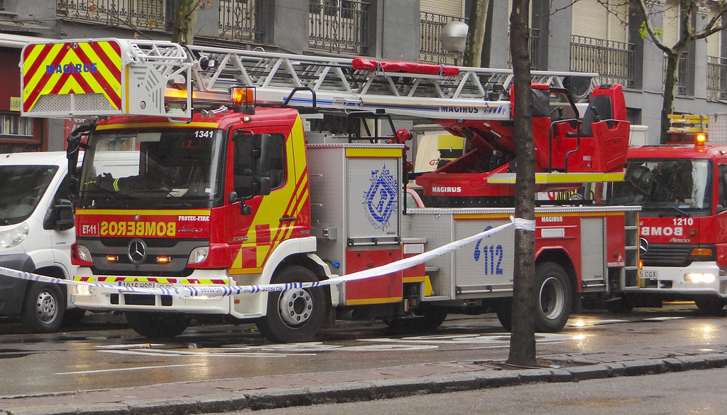 Cuerpo de Bomberos del Ayuntamiento de Madrid 12102991324_bb00384381_b