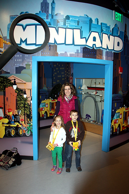 MiniLegoWorld_me-and-kids-by-entrance