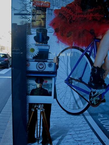 Fotógrafo de cartel y mezcla de realidades by JoseAngelGarciaLanda