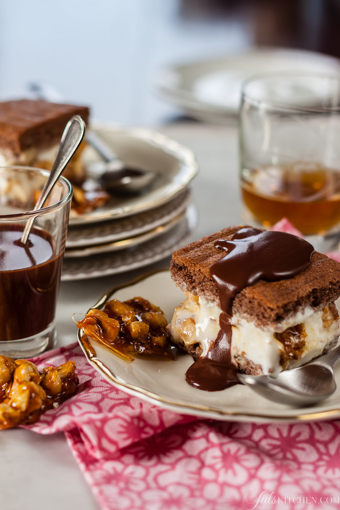 Ice-cream slices with caramelized hazelnuts