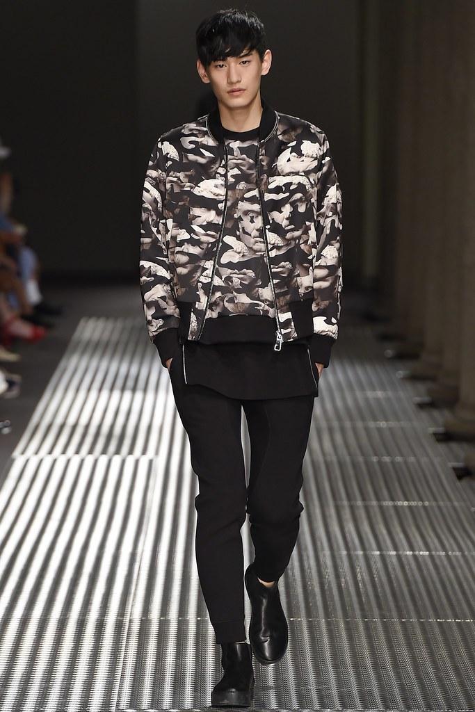 SS15 Milan Neil Barrett031_Kim Taehwan(VOGUE)