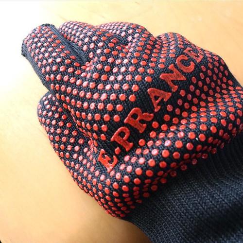 こちらは、バーベキュー用の耐熱手袋