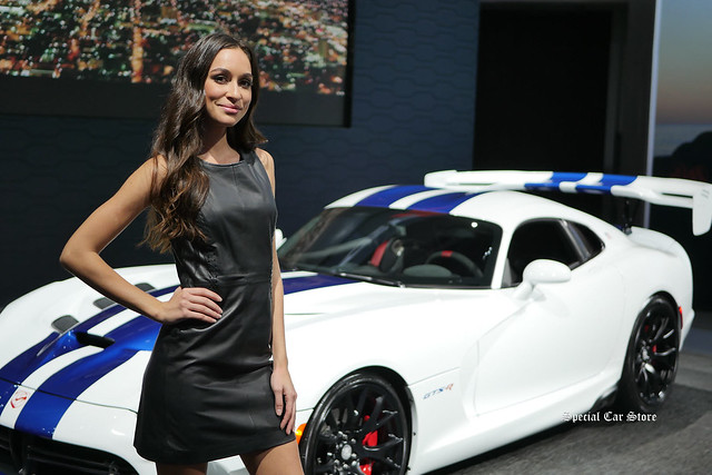Dodge GTS-R hostess at LA Auto Show 2016