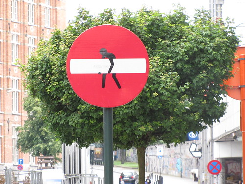 street art Brussels - Clet Abraham by _Kriebel_