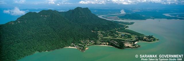 Mount_Santubong