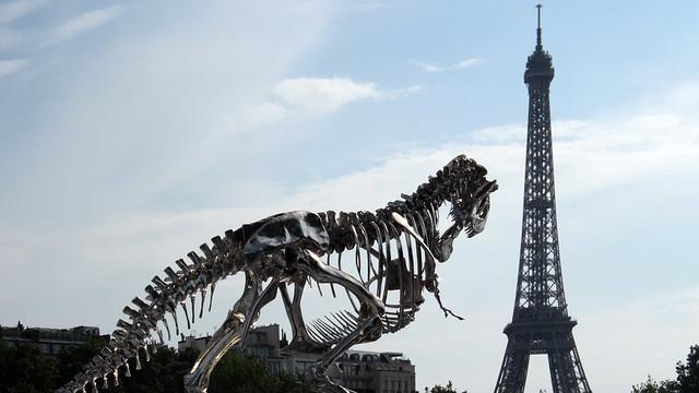 T-rex on the Seine