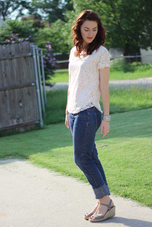 lace-tee-and-jeans-2
