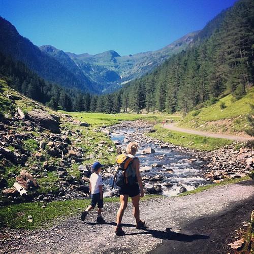 Vallée du Rioumajou - Hautes-Pyrénées. L'ancienne route vers l'Espagne, celle des guerres, des contrebandiers et de la guerre civile espagnole.