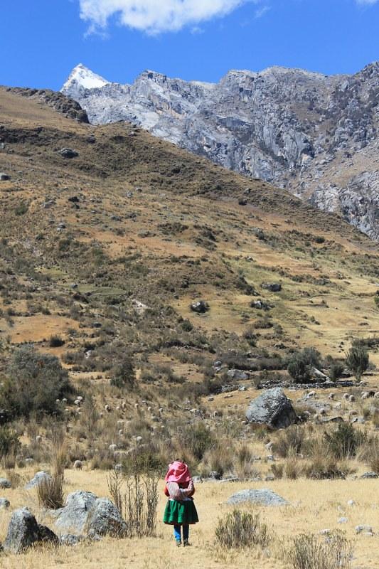 Following the crowds into Quebrada Shallap