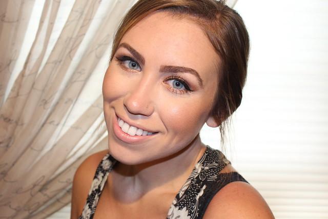 Makeup Monday: Bronze Star Dust