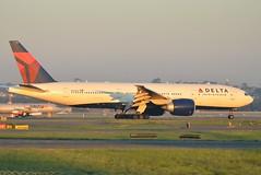 N707DN Delta 777 Sydney 11 April 13