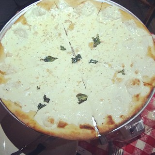 White pizza at Grimaldis.  #pizza #nyc