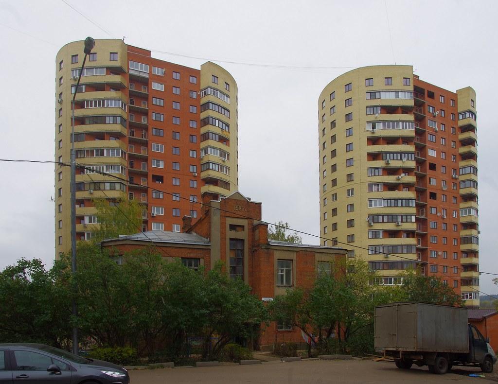 Нагорная улица, 2