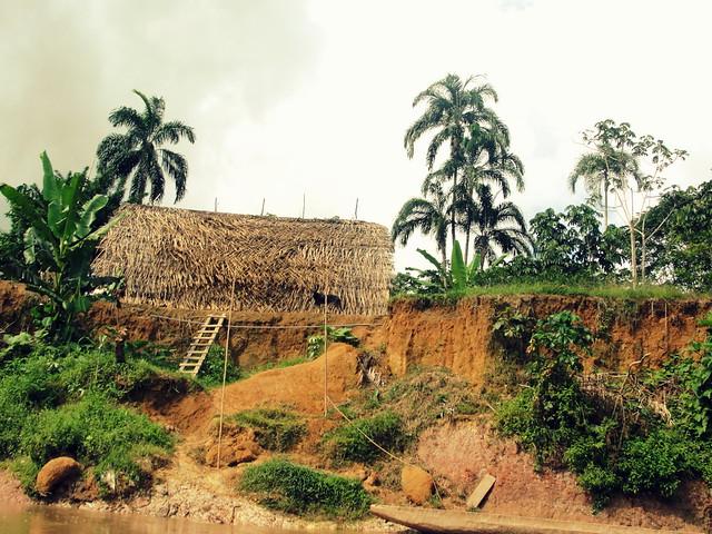 Κοινότητα των ινδιάνων Huarani στις ζούγκλες της Αμαζονίας!