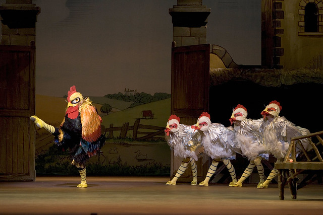 Chickens and Cockerel in La Fille mal gardée © Bill Cooper