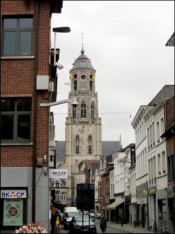 Lier 6541 Rechtestraat - Sint-Gummaruskerk.
