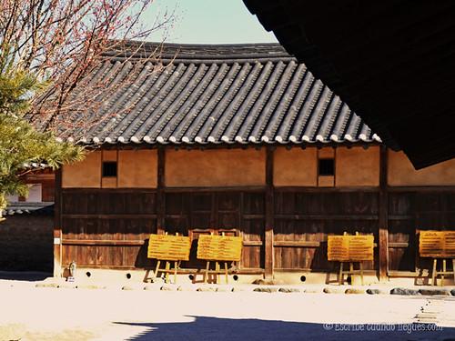 Construcción típica de una casa de época Shilla, en Gyeongju