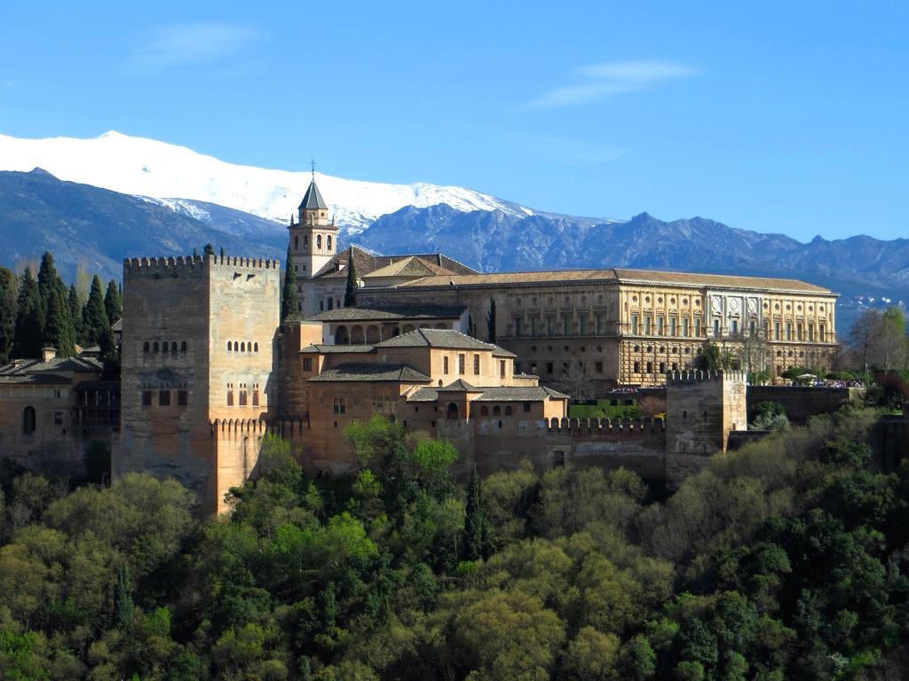 5. La Alhambra y Sierra Nevada. Autor, Tim Rawle