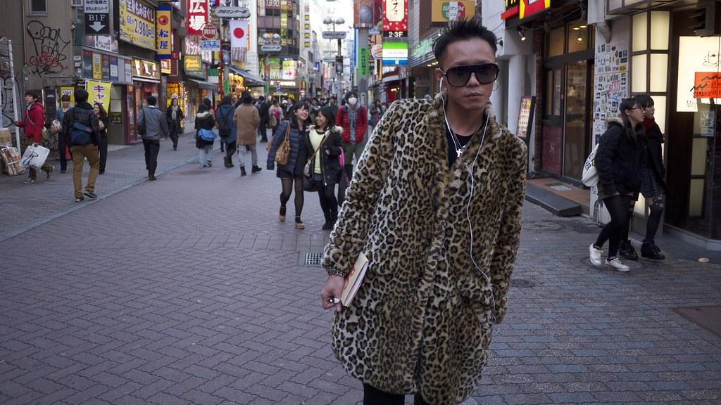 Shibuya Poser 1