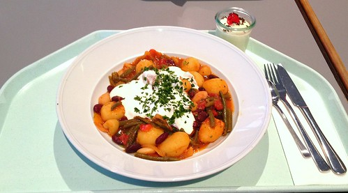 Pikantes Bohnengulasch / Zesty bean goulash