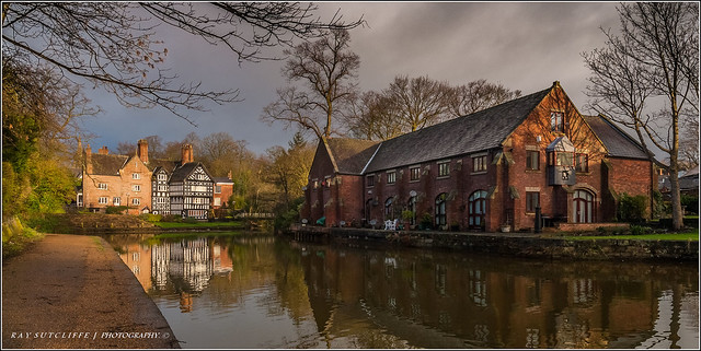 Bridgewater Canal Worsley. Feb 2014.