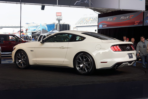 coyote ford charlotte motor mustang gt speedway fastback 2015 50l
