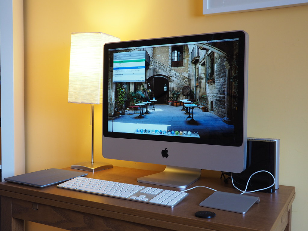 iMac 20 inch, 2008 4GB RAM 2.4 GHz CPU OSX 10.8 for Sale in ...