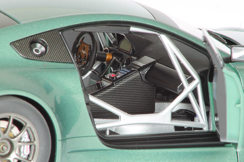 Aston_GT3_interno2