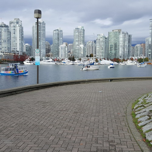 In case you forgot that Vancouver's an ocean city, just go the seawall for a refresher :-) 20161023_142048