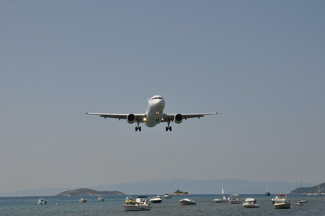 Planespotting on the beach by Skiathos Airport