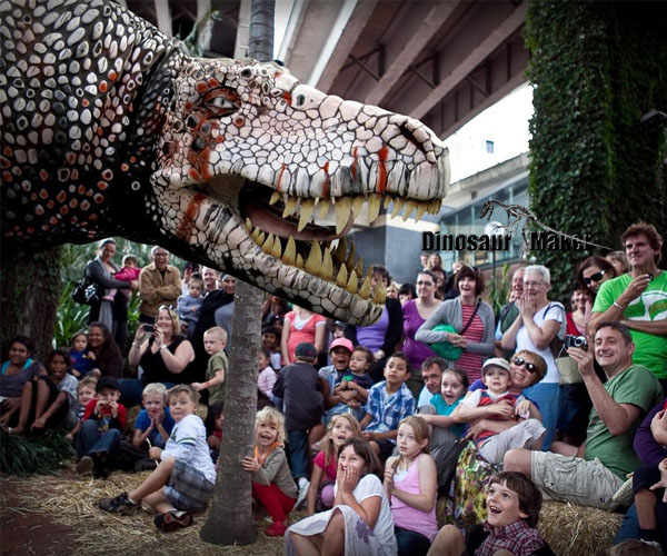 Life-Size Dinosaur Props