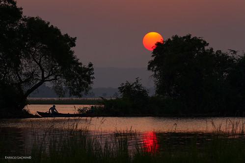 sunset red lake lago fishermen srilanka enrico polonnaruwa canoneos7d fotolagotramontosrilanka