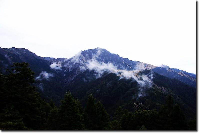 南湖大山(審馬陣山東南望)