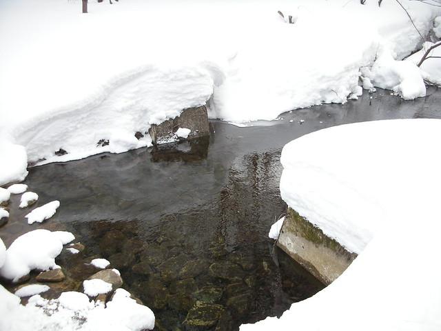 取水堰では順調に水が取られていた.