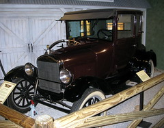 truck(0.0), automobile(1.0), vehicle(1.0), ford model tt(1.0), antique car(1.0), vintage car(1.0), land vehicle(1.0), ford model t(1.0), motor vehicle(1.0), classic(1.0),