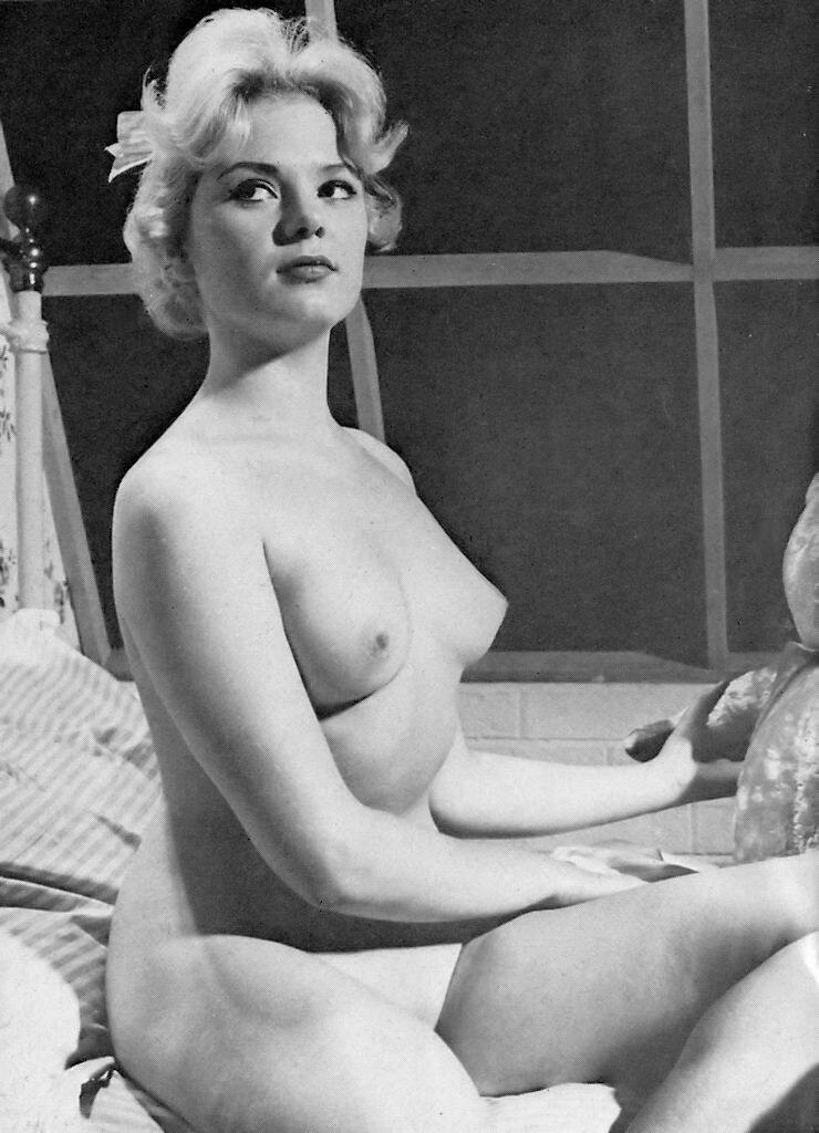 Margaret nolan vera novak vintage naturist clip - 1 7