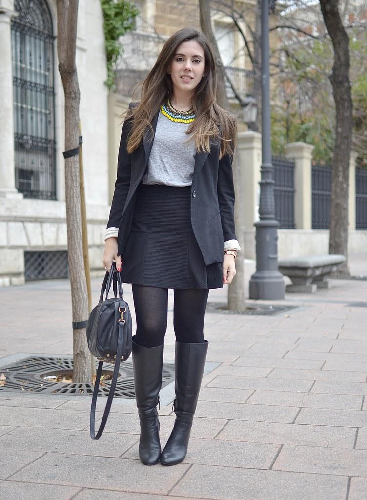flounce-skirt+black-blazer