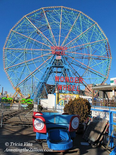 Wonder Wheel and Tilt-A-Whirl Cars