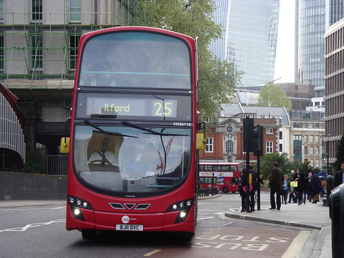Tower Transit VN36118 on Route 25, Aldgate