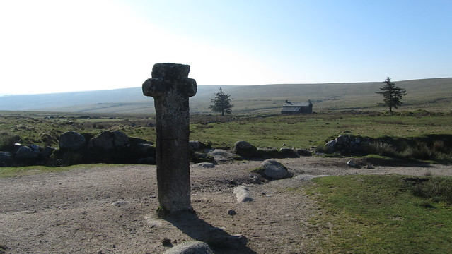 Nun's Cross Farm and the cross aka Siwards Cross