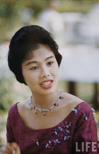 Queen Sirikit Of Thailand - Hoàng hậu Sirikit của Thái Lan