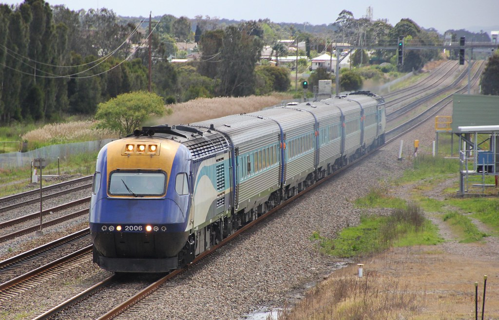 XPT2006 charges through Tarro on Grafton to Sydney service by bukk05