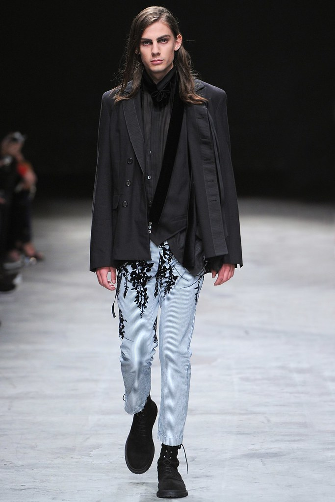 SS14 Paris Ann Demeulemeester014_Niclas Koch(vogue.co.uk)